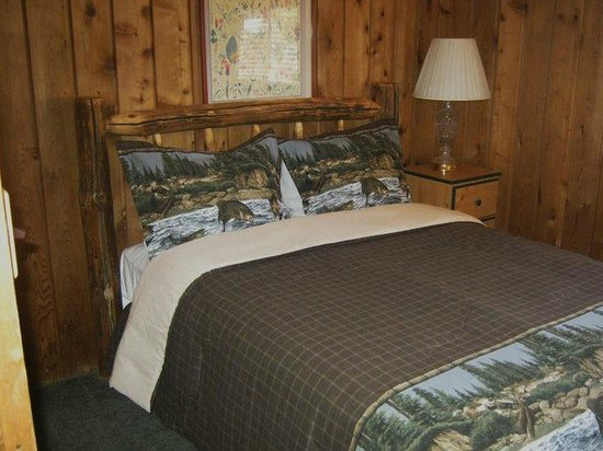 Bishop Creek Lodge: Brown Cabin