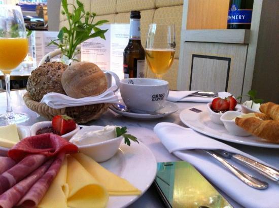 Kaisersaal: Breakfast