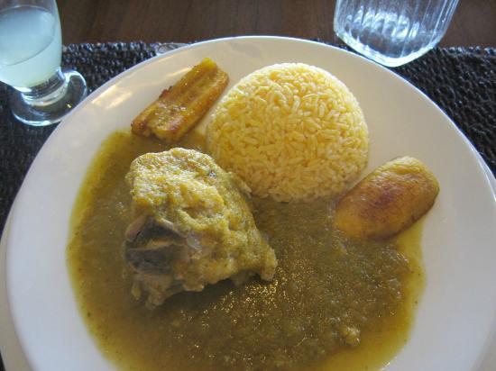 Semilla Verde Lodge & Spa : Pollo seco con verde salsa