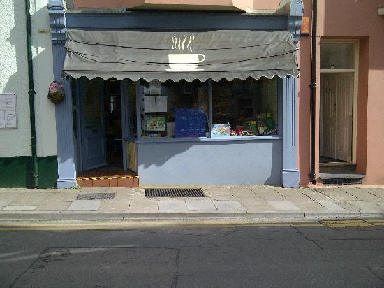Little Fishes Cafe: The front