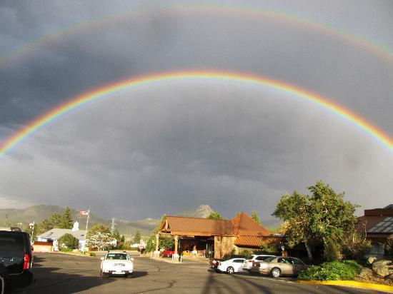 Rocky Mountain Park Inn: rainbow spotted