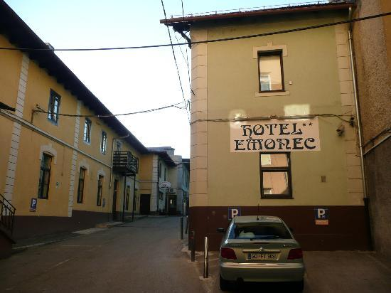 Hotel Emonec: Quiet but Central Location