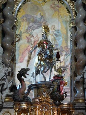 Klosterschenke Weltenburg: Altarpiece: St. Michael and dragon