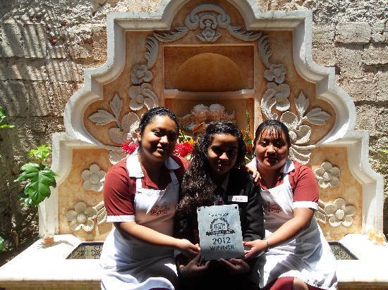 D'Leyenda Hotel: Staff