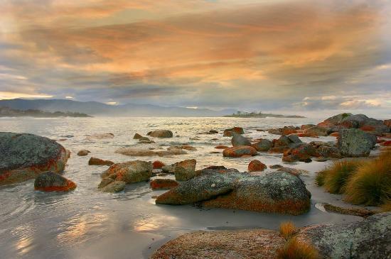 Addlestone House Bed and Breakfast: Diamond Island Sunset - Bicheno