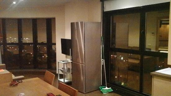 sala da pranzo e frigorifero - Picture of Valencia Rental, Valencia ...