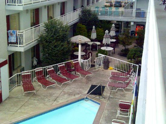 Pool Picture Of Pavilion Motor Lodge Ocean City Tripadvisor