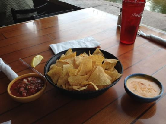 Boathouse Cantina: Con Queso and Chips