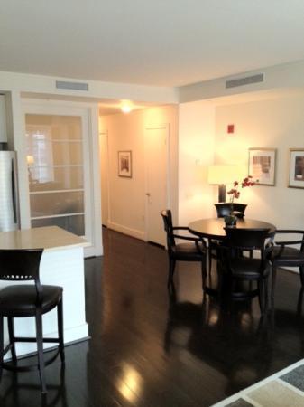 AKA White House: Dining and lounge area