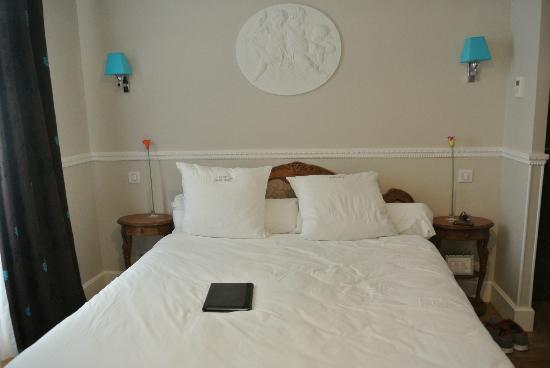 Hôtel Jean Moët : Bed in room 9