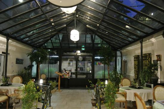 Hôtel Jean Moët : Entry way/breakfast room