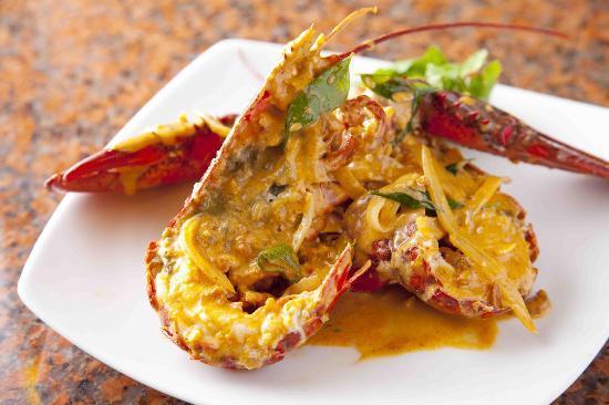 Singapura: Coconut Curry Lobster