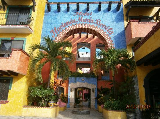 Hotel Hacienda Maria Bonita: Beautiful colors