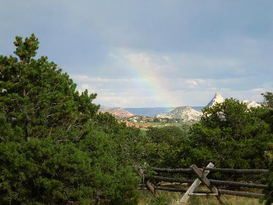 Pine Shadows Cabins: Distant rainbow, taken from the cabin back yard