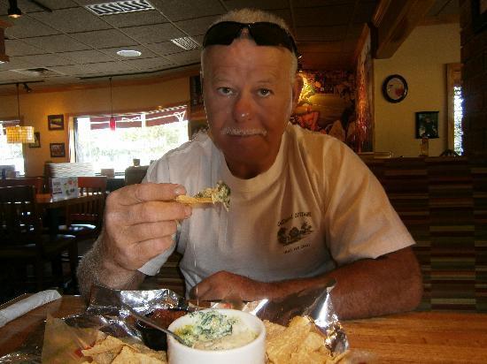 Applebee's: My appetizer - Artichoke Dip and Chips