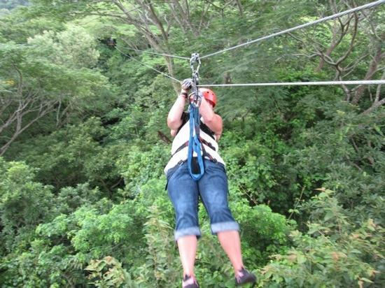 Costa Rica Best Trips: zip lining at Hotel Borenqeun