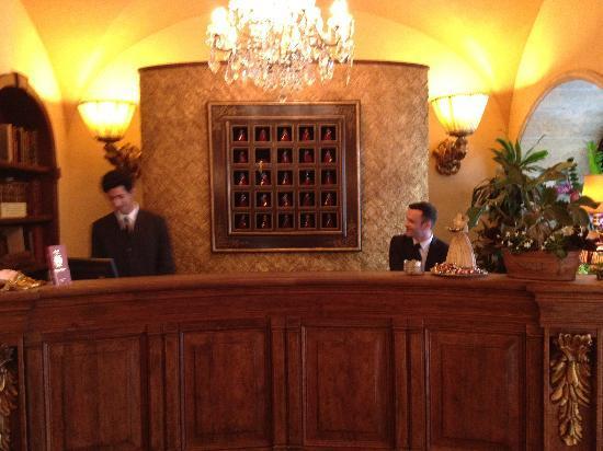 Boutique Hotel Campo de Fiori: The Front Desk