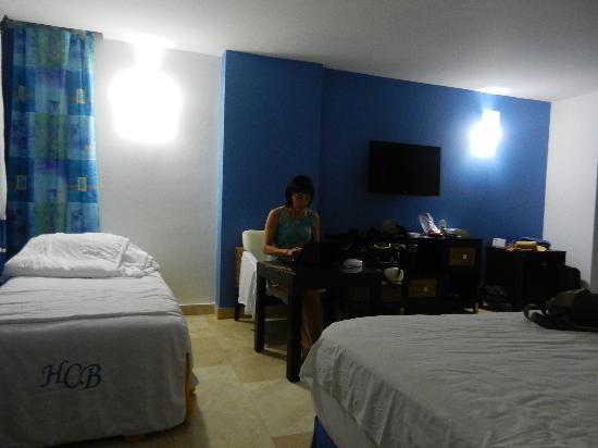Hotel Casablanca: Habitación grande