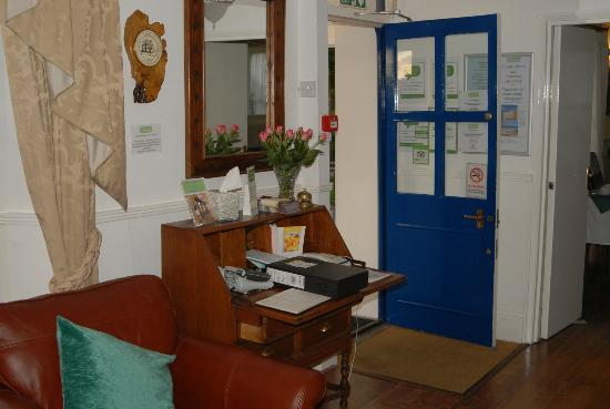 Bottreaux House Bed & Breakfast: Reception area of the hotel with main door