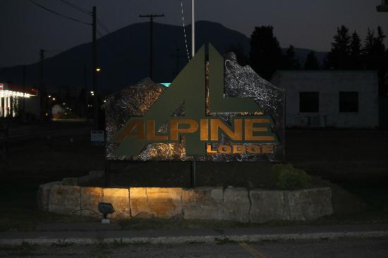 Alpine Lodge: ENTRANCE