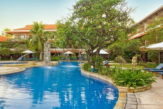 Hotel Bali Rani: Swimming Pool