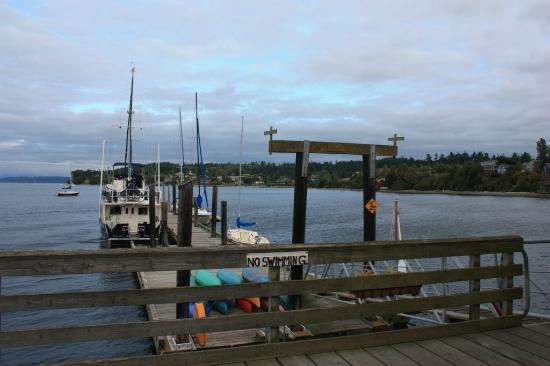 Lovejoy Inn on Whidbey Island: Coupeville dock