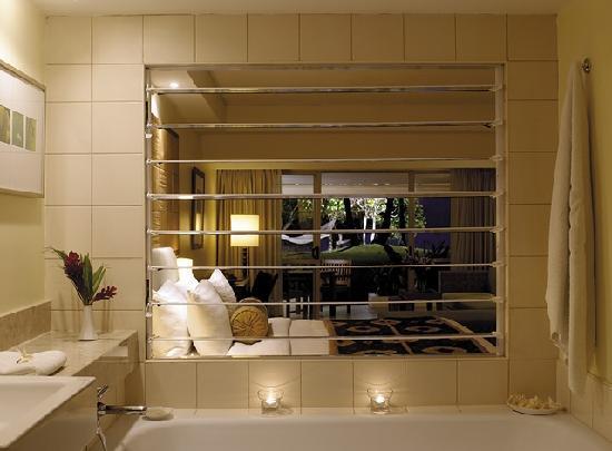 Shangri-La's Fijian Resort & Spa: Deluxe Ocean Family room.