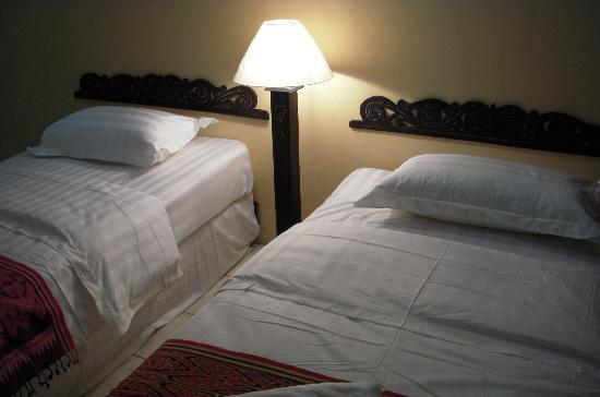 Rafflesia Inn: Twin beds