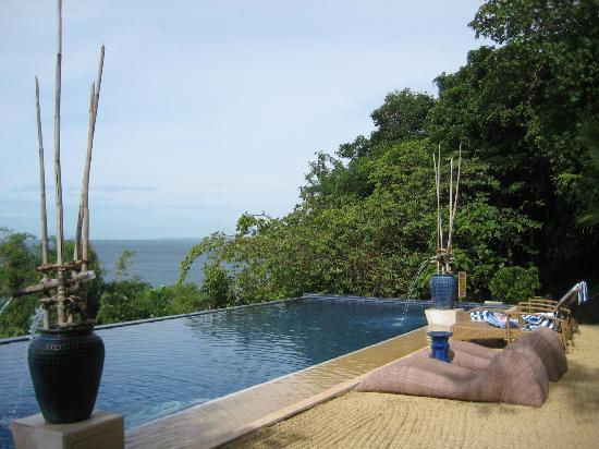 Mabini, Philippines: The infinity pool