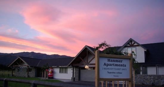 Hanmer Apartments: Fantastic sunsets