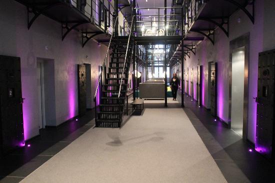Het Arresthuis : les couloirs