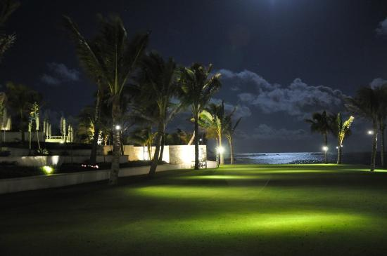 Long Beach Mauritius: Evenings