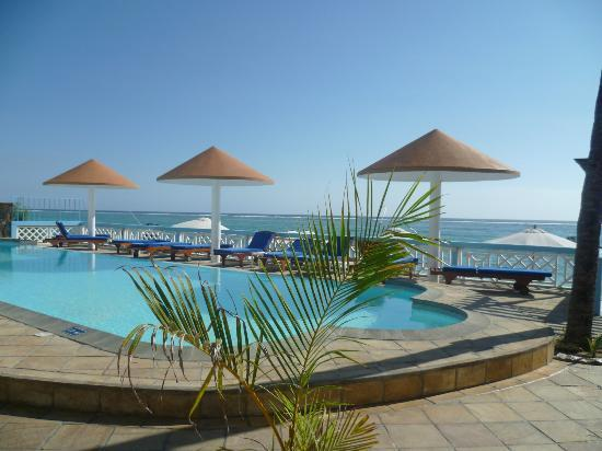 Gold Beach Resort: piscine