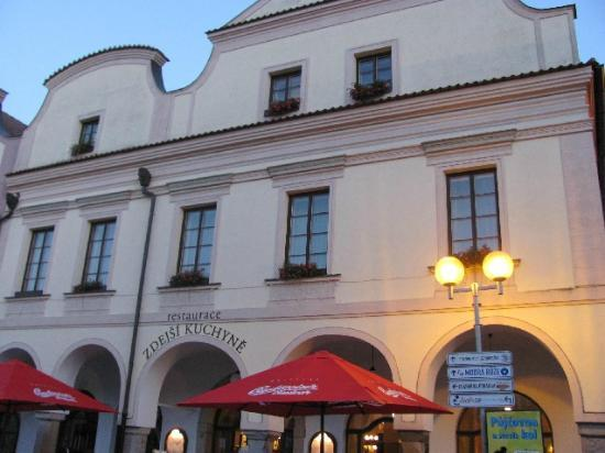 Hotel Zlata Hvezda: front