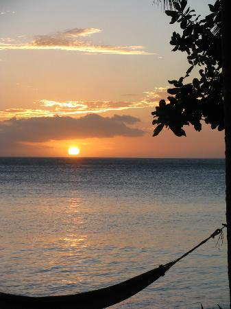 Matana Beach Resort - Dive Kadavu: Sunset