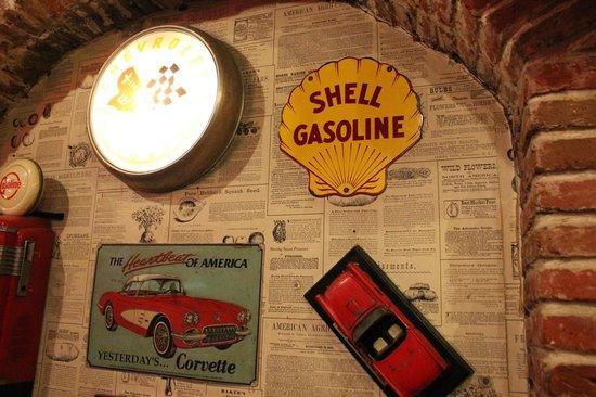 Tomato's: Gas station