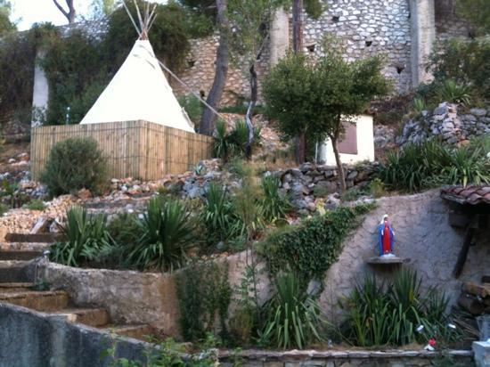 Le Mas des Trois Ponts : il giardino