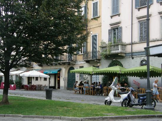 Hotel Milano Navigli: Square