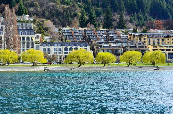 YHA Queenstown Lakefront: queenstown lake front