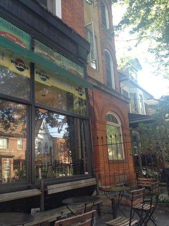 Luna Cafe : テラスより外観を撮影
