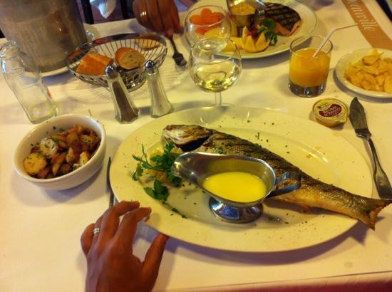 Le Drakkar : bar grillé sauce au beurre fondu! :s