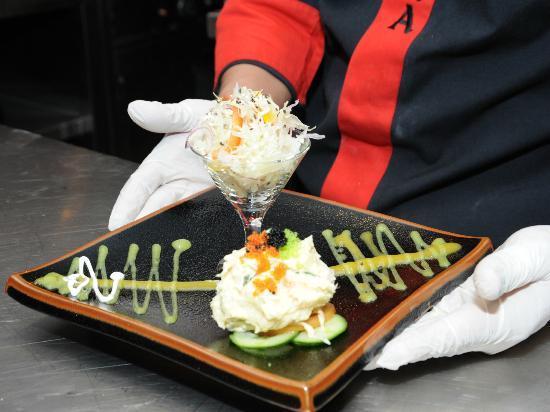 Sakura Japanese Restaurant : salad