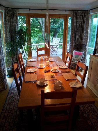 Brae House Bed and Breakfast: Breakfast table