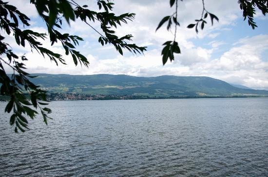 Place Pestalozzi : Yverdon- view over Lake Neuchâtel