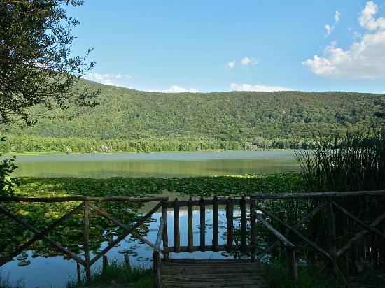 Lago Monticchio - Picture of Villa delle Rose Country House - B&B ...