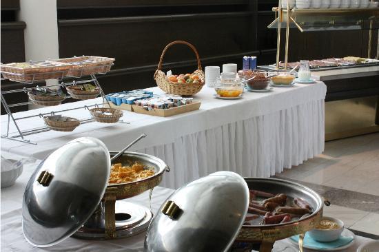 Hotel Alp: Selfservice buffet