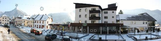 Hotel Alp: Main city square - winter