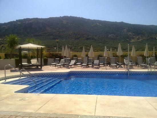 Hotel Mencia Subbetica: Vista piscina