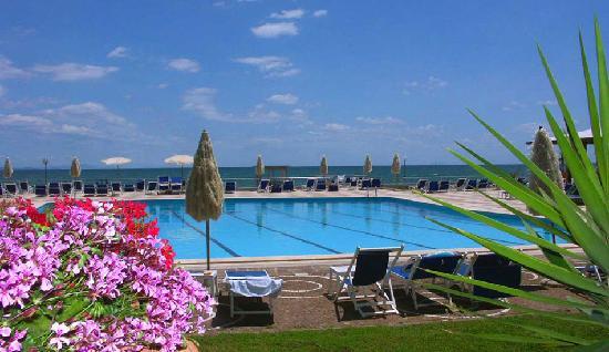 Hotel Maga Circe: Piscina