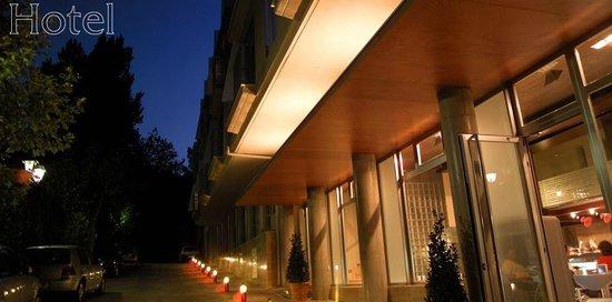 Yeste, Spain: Entrada al Hotel